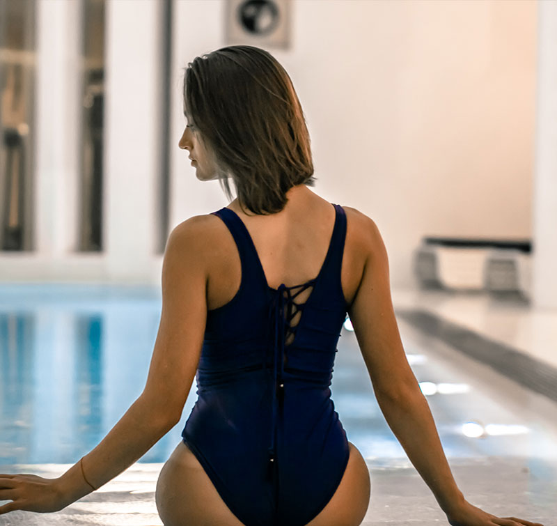 urban wellness zone spa girl swiming pool Вечеринка или девишник в СПА